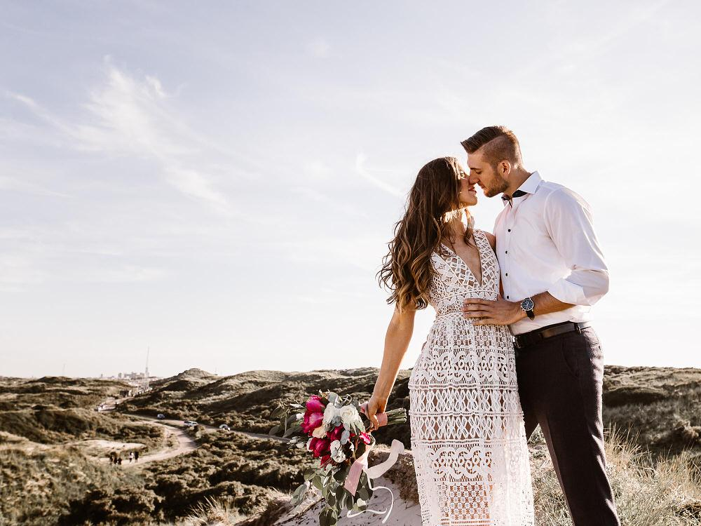 CP 001 - Chloe & Philipp - A Classy Engagement Session on the Beach