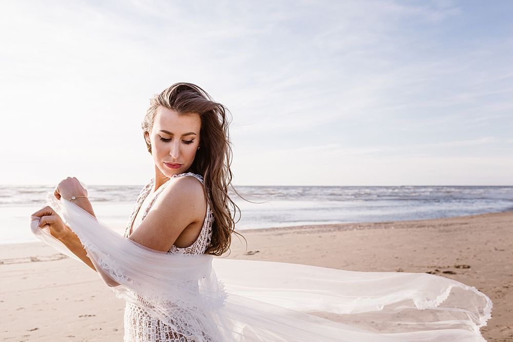 CP 053 - Chloe & Philipp - A Classy Engagement Session on the Beach