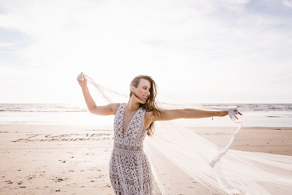 CP 057 - Chloe & Philipp - A Classy Engagement Session on the Beach