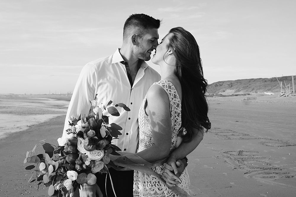 CP 083 2 - Chloe & Philipp - A Classy Engagement Session on the Beach